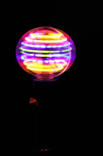 Boule lumineuse Magic Twister multicolore